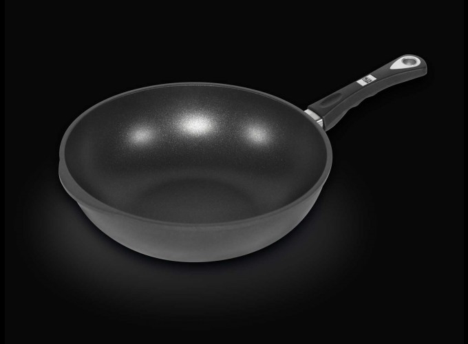 - AMT Wok with side handles